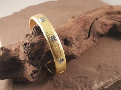 Cresber armband<br/><br/>◦◊◦<br/><br/>€ 375,-