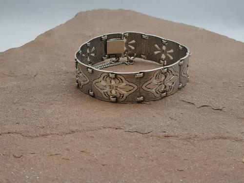 Massieve armband<br/><br/>◦◊◦<br/><br/>€ 295,-