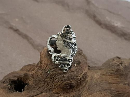 Jugendstil ring<br/><br/>◦◊◦<br/><br/>€ 85,-<br/>2 Maten beschikbaar