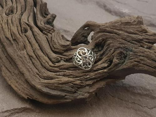 Sierlijke ring<br/><br/>◦◊◦<br/><br/>€ 37,50<br/>2 Maten beschikbaar